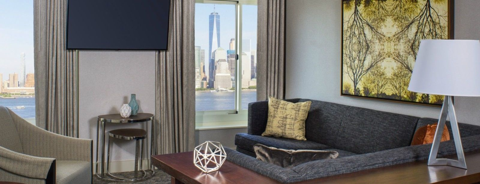 Jersey City Accommodations | Junior Suite Seating Area
